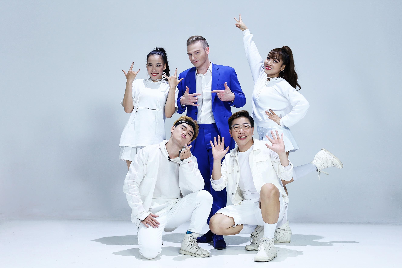 Đan Trường làm MV cùng fan nhí, Kyo York lái xe, Tiêu Châu Như Quỳnh nở hoa ngày Tết-4