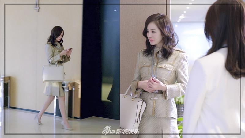 Liên tục diện đồ hiệu, Dương Mịch biến phim mới thành sàn diễn thời trang-3