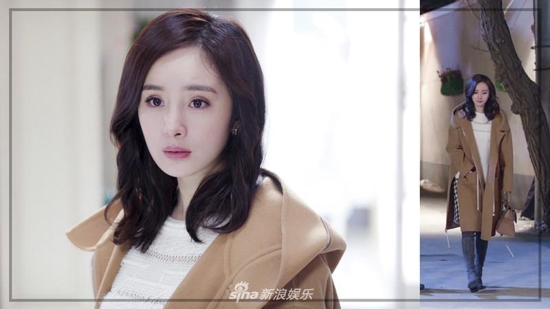 Liên tục diện đồ hiệu, Dương Mịch biến phim mới thành sàn diễn thời trang-4