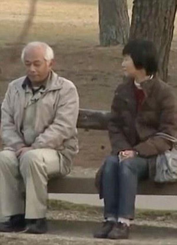Bật khóc trước lý do chồng không nói chuyện với vợ suốt 2 thập kỷ-2