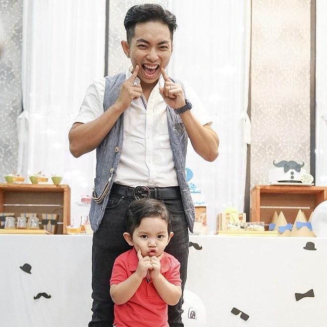 Tin sao Việt: Angela Phương Trinh trổ tài bé đảm thiết kế quà tết cho người thân-8