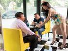 Nhà hàng lẩu thuê nữ phục vụ mặc bikini, nam nhân viên cởi trần tiếp khách