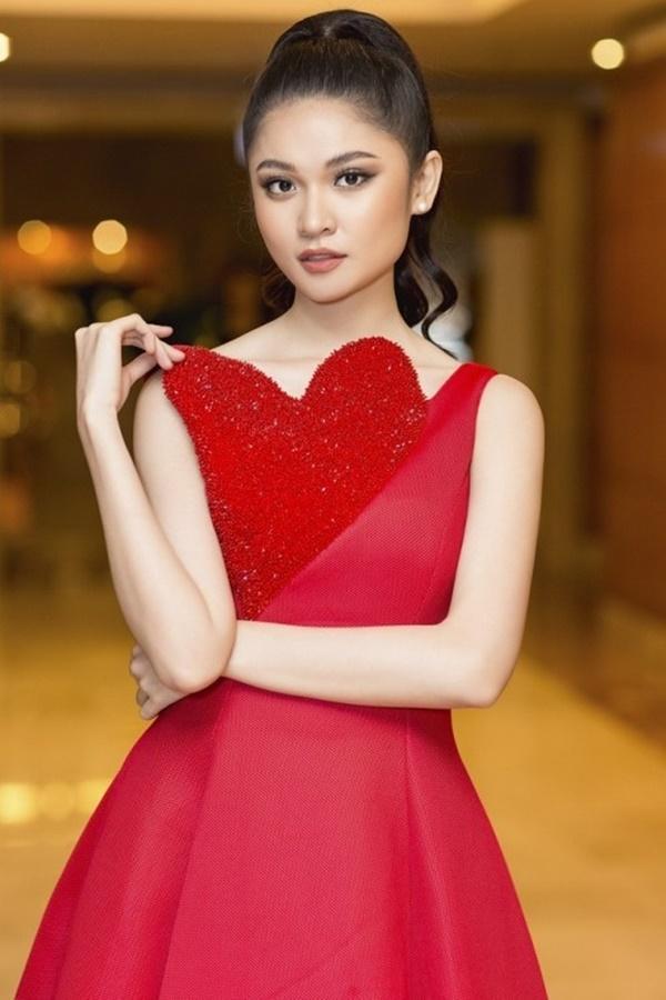 Tưởng đổi phong cách mới mẻ, ai dè Hari Won lại mặc 'đầm cũ' của Hoàng Thùy, Thùy Dung-7