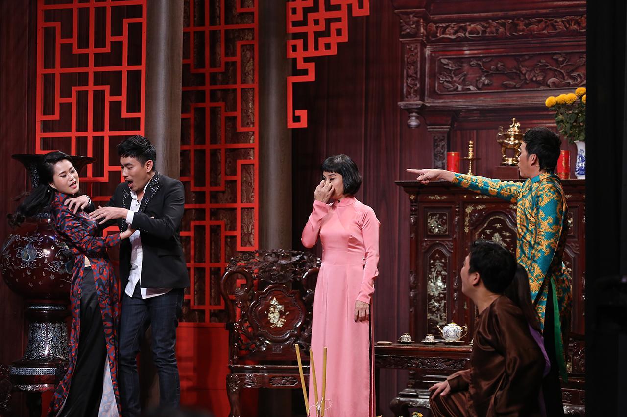 Cát Phượng gây sốc khi gọi ông xã - Kiều Minh Tuấn - là... con út-2