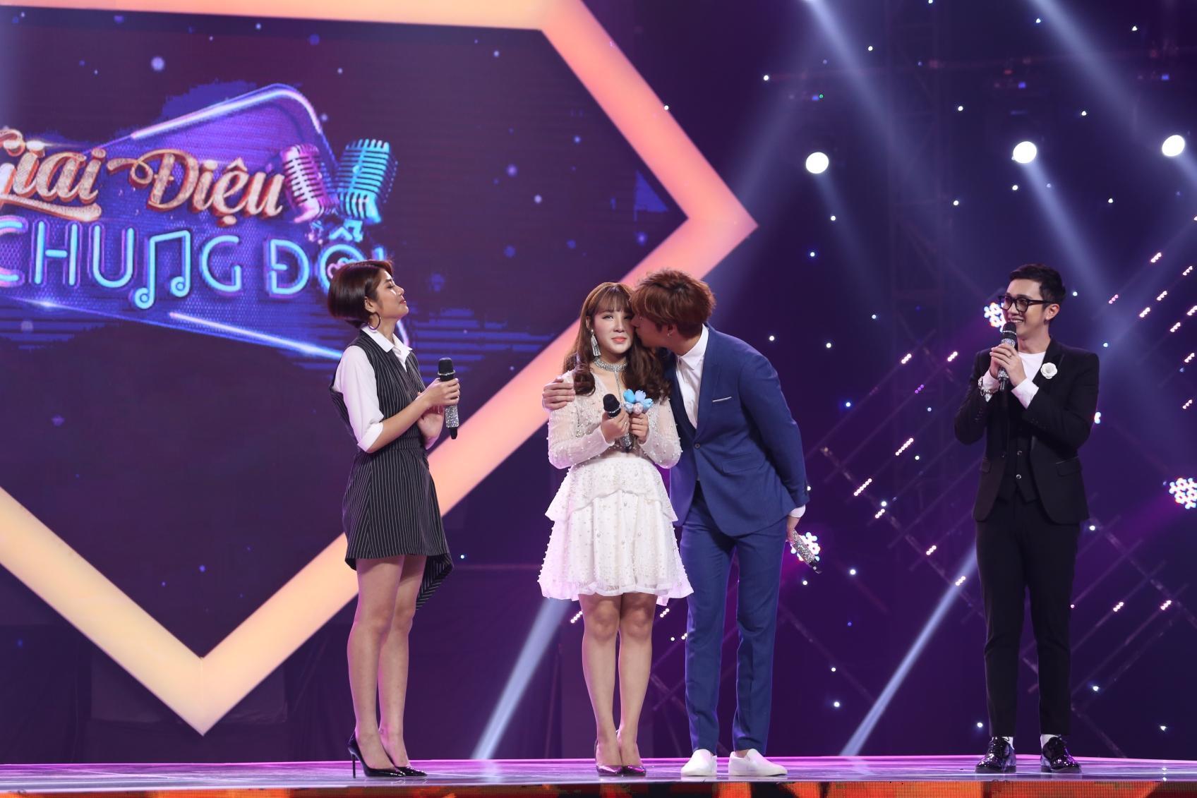 Chân dung soái ca bí mật tỏ tình hot girl Yến Tatoo trên sóng truyền hình-1