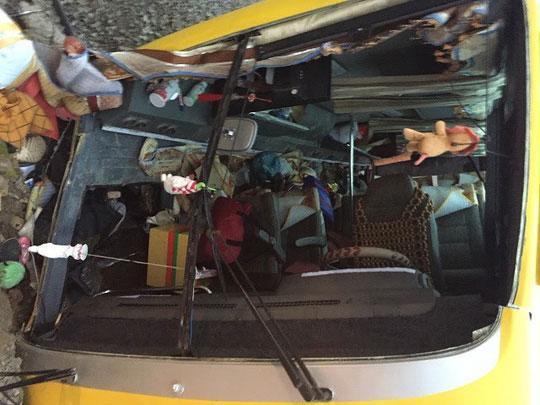 Lật xe khách chở 30 người từ TP HCM về quê ăn tết, ít nhất 12 người thương vong-2