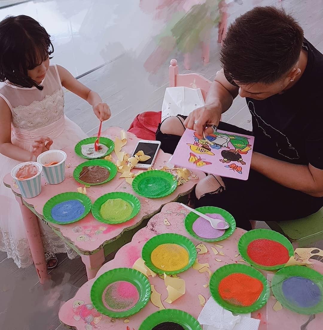 Tin sao Việt: Lâm Vinh Hải chơi cùng con mặc kệ ồn ào Linh Chi và vợ cũ Lý Phương Châu-1