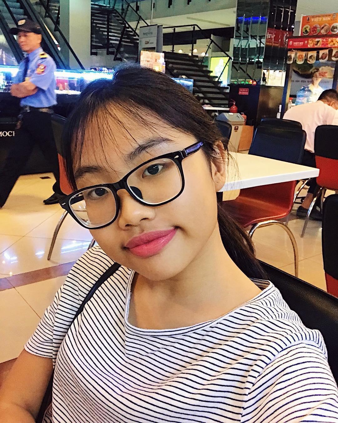 Tin sao Việt: Lâm Vinh Hải chơi cùng con mặc kệ ồn ào Linh Chi và vợ cũ Lý Phương Châu-9