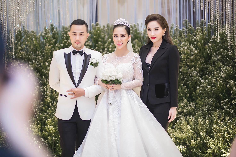 Chân dung 4 cô gái Việt làm dâu con nhà tài phiệt: xinh đẹp, giỏi giang và rất được cưng chiều-5