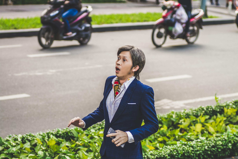 Phim Tết Đích tôn độc đắc của Hoài Linh: Tiếng cười có hậu cho ngày Tết đoàn viên-1