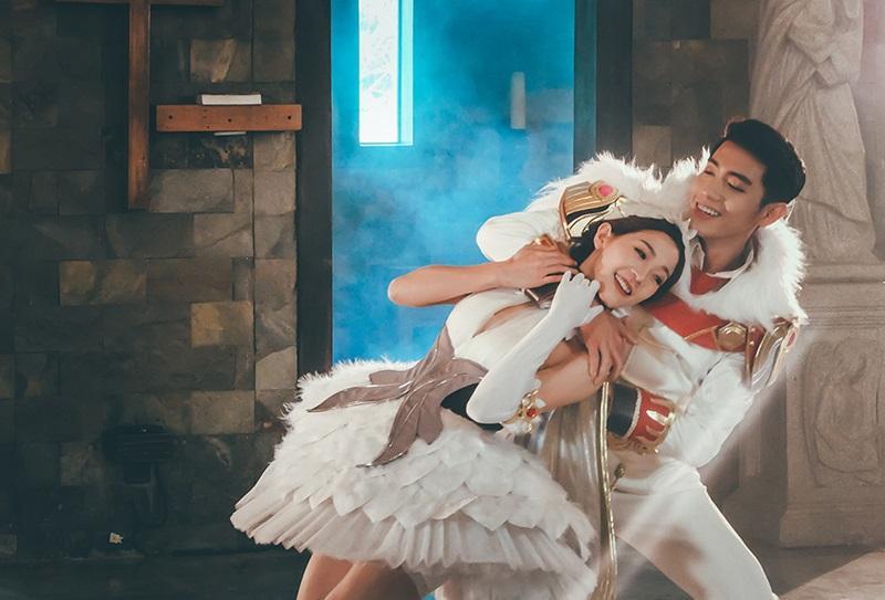 Quang Đăng, Phạm Thanh Thảo, Thái Thùy Linh làm gì trong ngày Valentine?-2