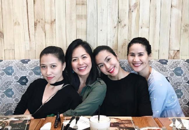 Cách ăn tết trong gia tộc triệu đô chồng của ngọc nữ Hà Tăng qua các năm-8