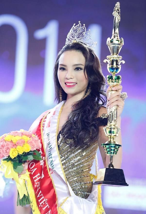 Top 3 Hoa hậu Việt Nam 2014 sau 4 năm: Vì gia đình mà kẻ vượt chông gai, người lặng lẽ sống-1