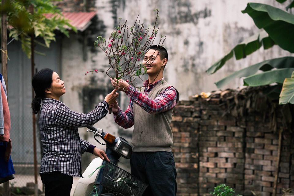 Bộ ảnh Với mẹ, con là mùa xuân gây xúc động ngày giáp Tết-5