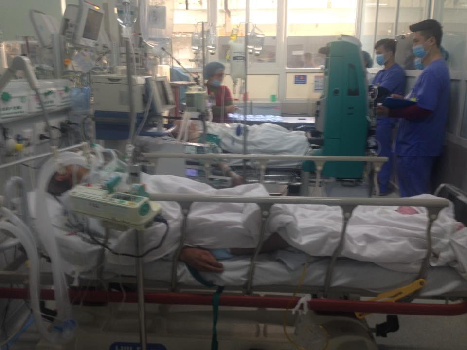 Cận Tết, Bệnh viện Bạch Mai vỡ trận, bác sĩ kiệt sức vì cấp cứu-3