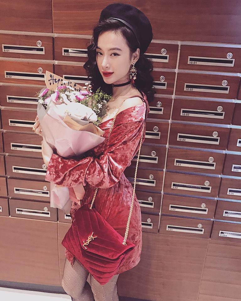 Hồ Ngọc Hà - Angela Phương Trinh dẫn đầu xu hướng nhung rực rỡ đón chào năm mới-1