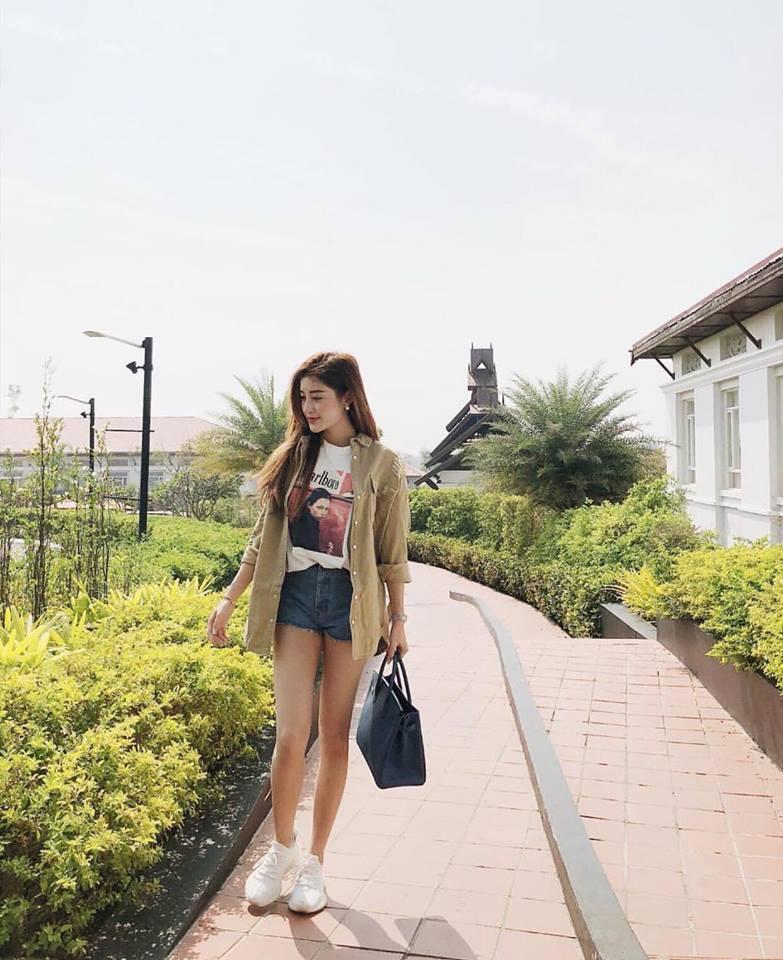 Hồ Ngọc Hà - Angela Phương Trinh dẫn đầu xu hướng nhung rực rỡ đón chào năm mới-5