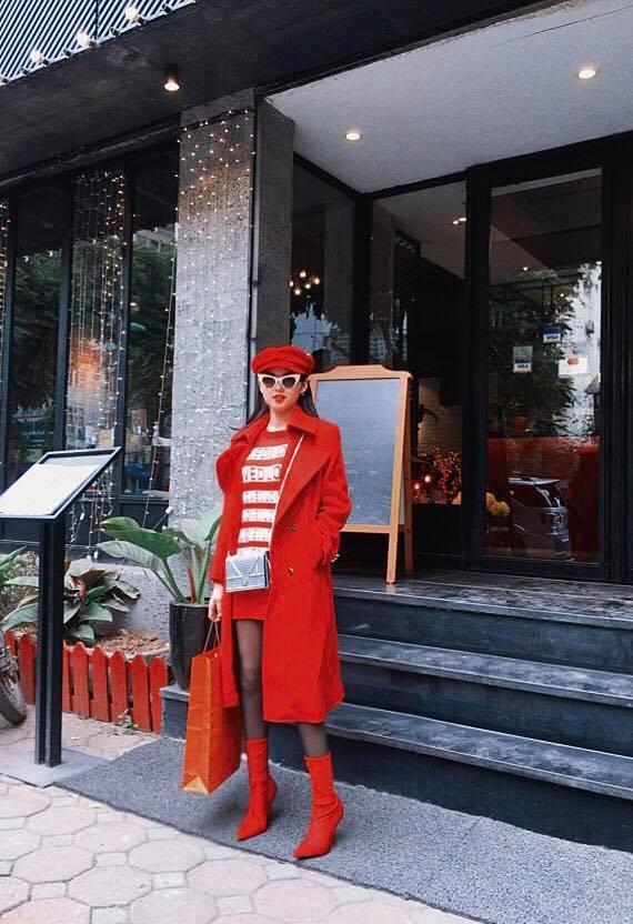 Hồ Ngọc Hà - Angela Phương Trinh dẫn đầu xu hướng nhung rực rỡ đón chào năm mới-8