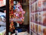 Giao thừa khắp thế giới: Từ gala Trung Quốc đến chợ Tết Hong Kong