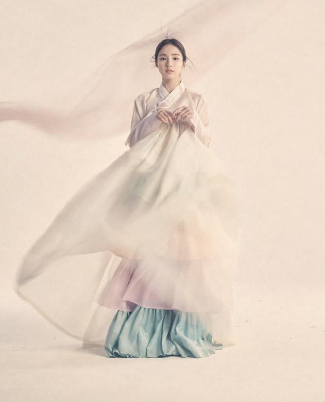 Diện Hanbok, dàn mỹ nhân Hàn khoe vẻ đẹp không tì vết-6