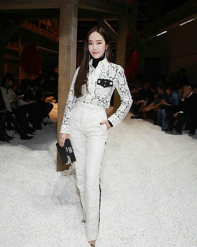 Diện Hanbok, dàn mỹ nhân Hàn khoe vẻ đẹp không tì vết-4