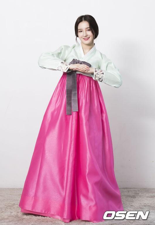 Diện Hanbok, dàn mỹ nhân Hàn khoe vẻ đẹp không tì vết-5