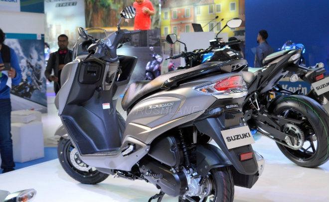 2018 Suzuki Burgman Street kình nhau với Yamaha NMAX-2