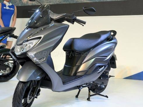 2018 Suzuki Burgman Street kình nhau với Yamaha NMAX