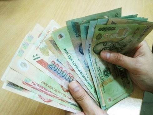 Tin vịt tết 5: Chớ để chồng cầm tiền trong ngày Tết