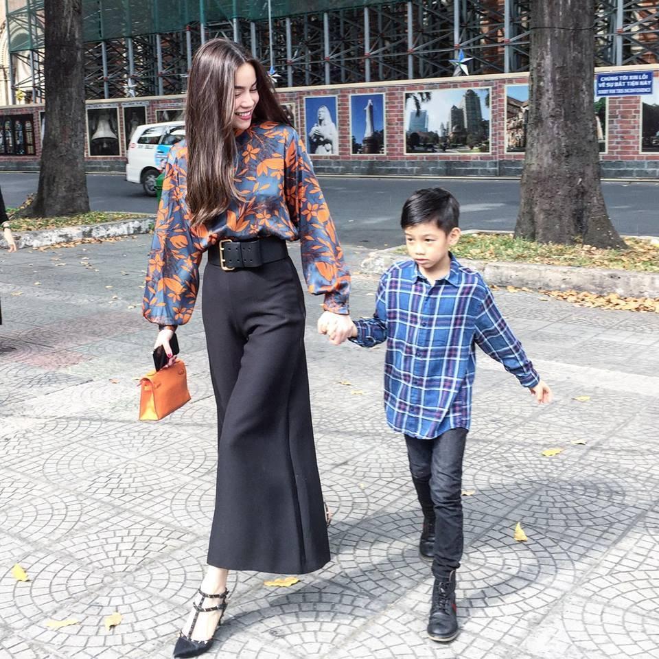 Tin sao Việt: Hoàng Thùy Linh bật mí khoảnh khắc ấu thơ răng sún-2