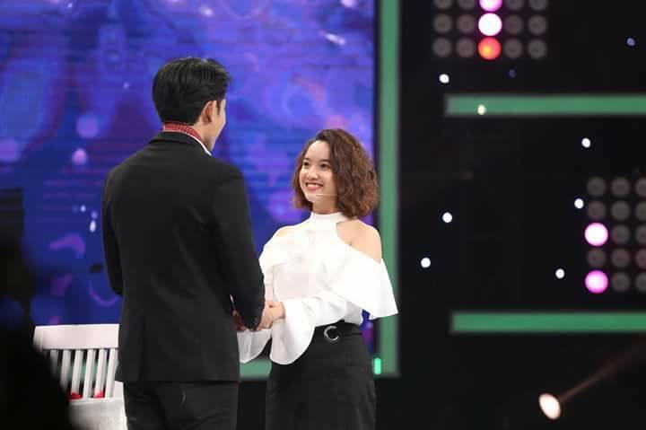 Rời Vì yêu mà đến cặp đôi Gia Linh - Hoàng Phi tung clip người đàn người hát siêu ngọt ngào-1