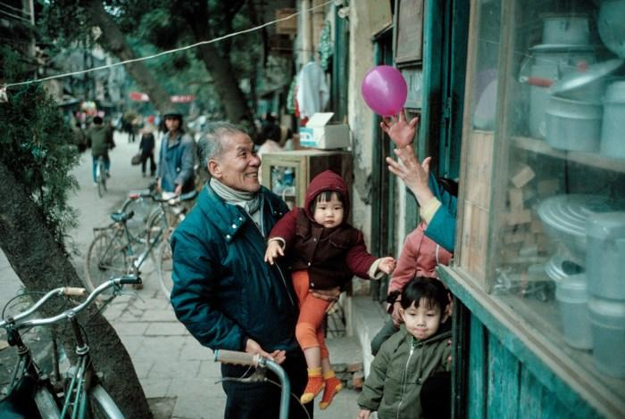 Loạt ảnh cực quý Tết Hà Nội năm 1989-5