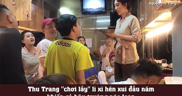 Thu Trang náo loạn hậu trường bằng màn lì xì hên xui cực lầy-1