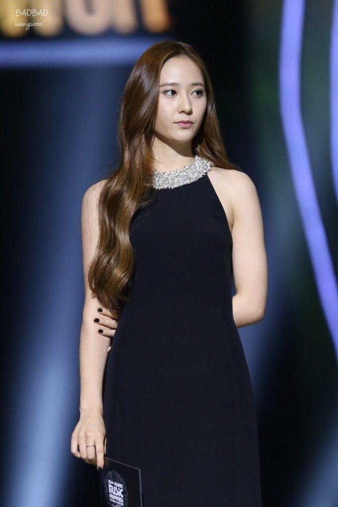 4 nữ thần tượng sinh năm 1994 không chỉ xinh đẹp mà còn có gu thời trang sành điệu nhất Kpop-3