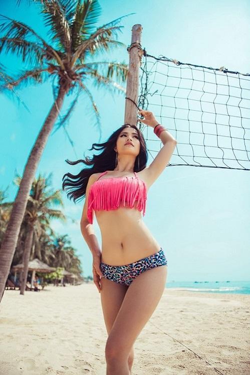 Đông Nhi khiến fans đứng ngồi không yên với ảnh bikini vô cùng nóng bỏng-3