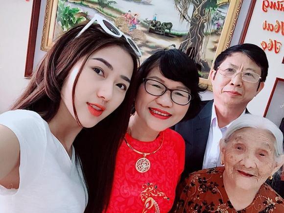 Hot girl - hot boy Việt: Minh Châu hội ngộ Trung Dũng Sĩ cùng song ca phía sau vô lăng-1