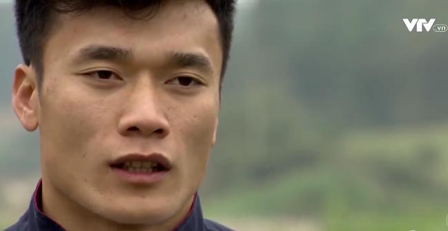 Tự sự ngày trở về của các cầu thủ U23 Việt Nam: Chỉ mong chiếc xe buýt đi mãi như thế!-8