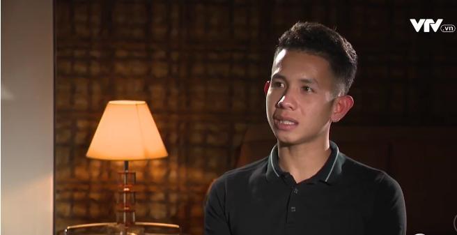 Tự sự ngày trở về của các cầu thủ U23 Việt Nam: Chỉ mong chiếc xe buýt đi mãi như thế!-9