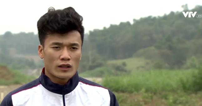 Tự sự ngày trở về của các cầu thủ U23 Việt Nam: Chỉ mong chiếc xe buýt đi mãi như thế!-13