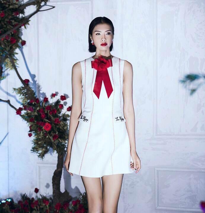 Chiếc váy khiến Hoa hậu Đỗ Mỹ Linh, Chi Pu và Angela Phương Trinh đều mê mẩn-10