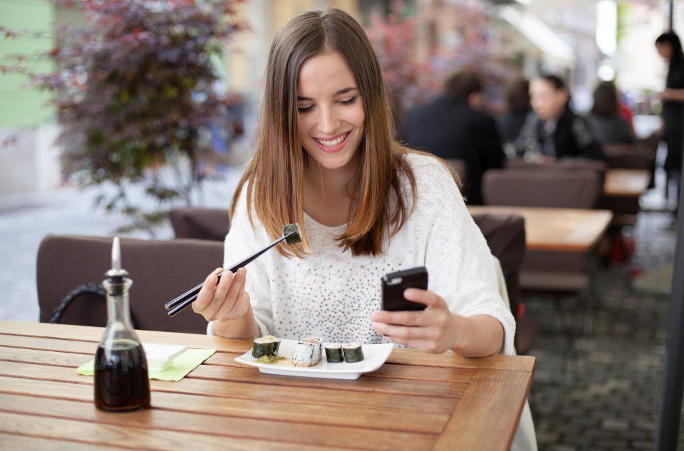 Điểm mặt những thói quen ăn uống khiến dạ dày kêu cứu-3