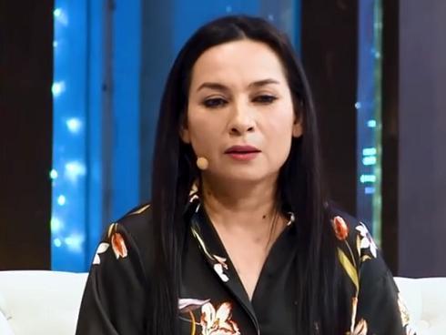 Ca sĩ Phi Nhung rơi nước mắt tiết lộ lý do không lấy chồng