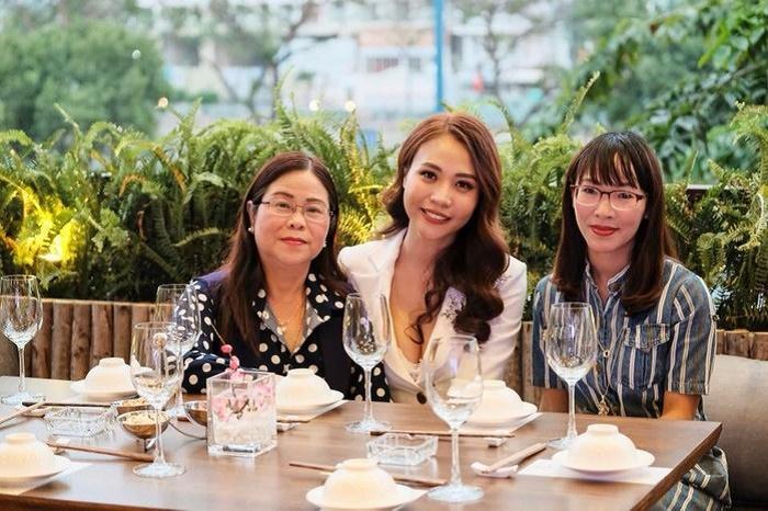 Cường Đô La thân thiết với mẹ Đàm Thu Trang trong bữa tiệc gia đình-2