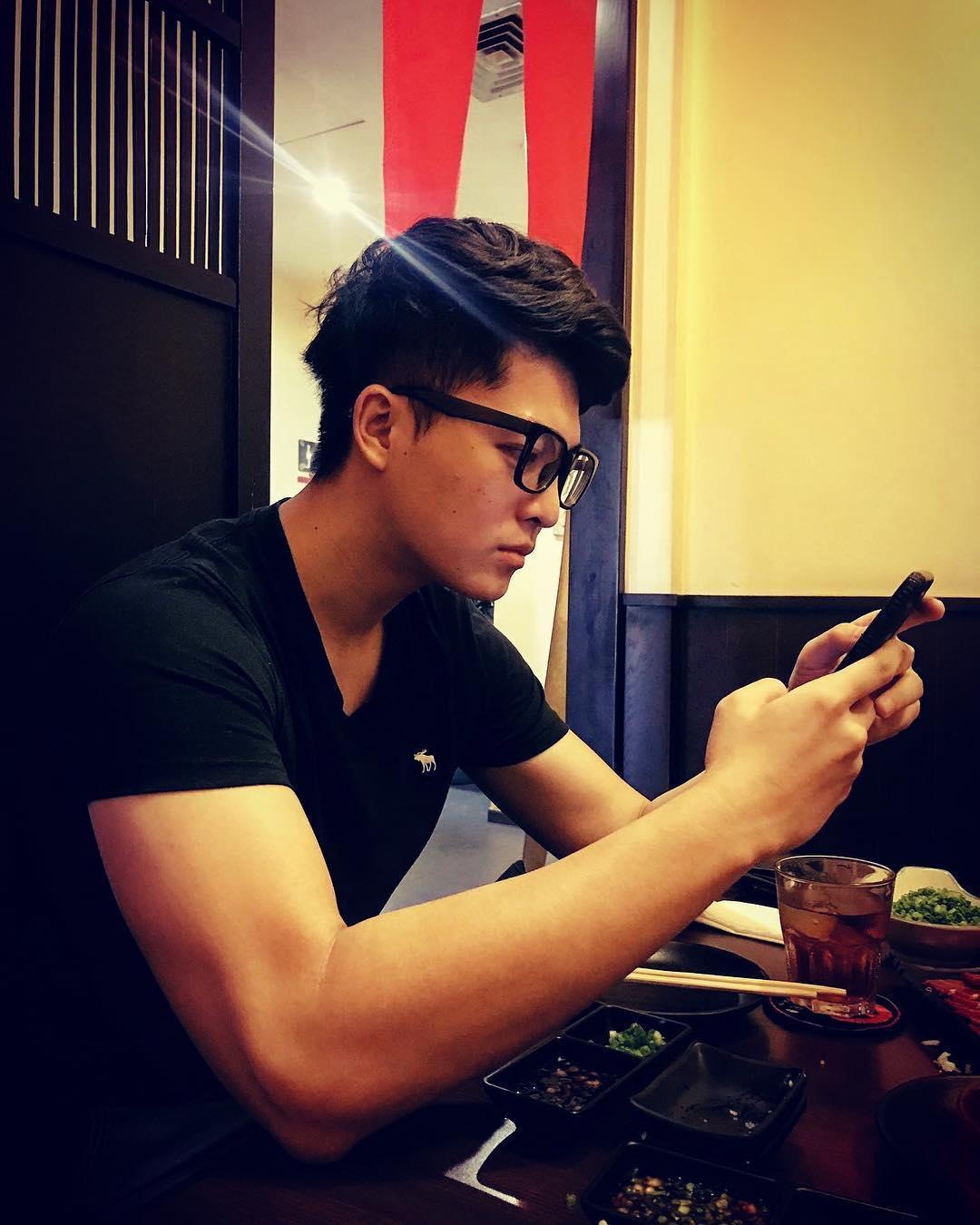Harry Lu: đẹp trai ngời ngời một thời giờ khiến nhiều người không nhận ra sau phẫu thuật mũi-2