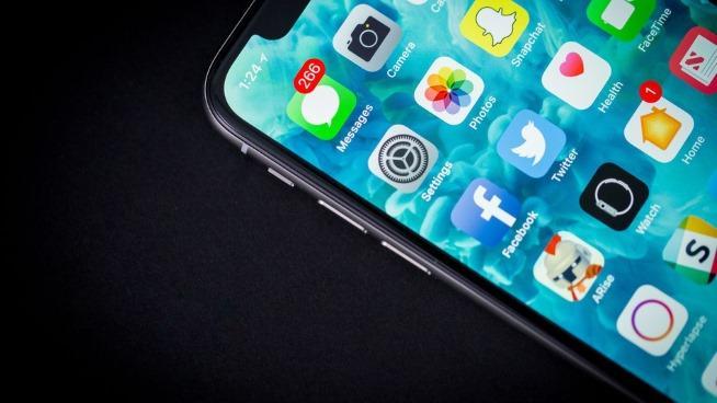 iPhone X bán chậm, Samsung bị vạ lây-1