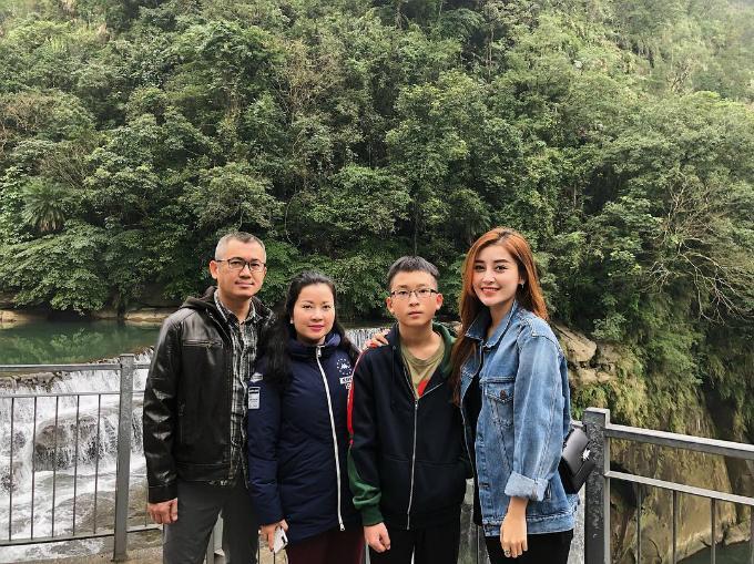 Chuyến du xuân ngập tràn nắng ấm của sao Việt-3
