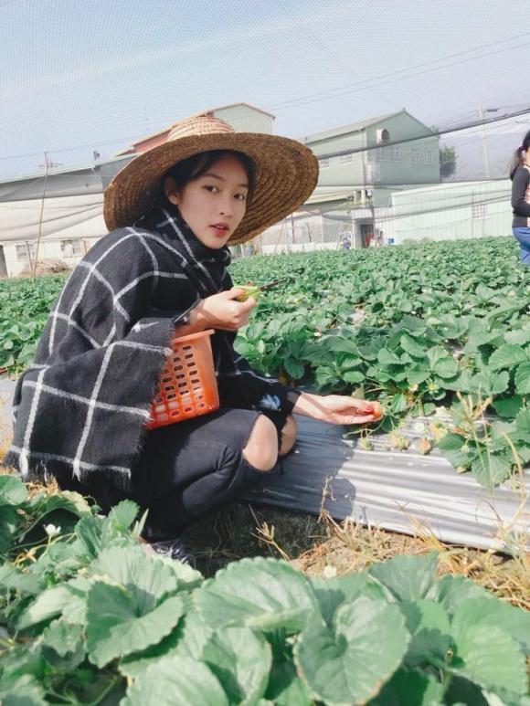 Hot girl - hot boy Việt: Trang Cherry trổ tài diễn sâu trong cover Buồn của anh-5