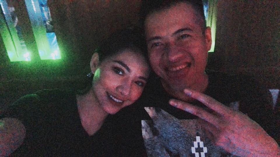 Hot girl - hot boy Việt: Trang Cherry trổ tài diễn sâu trong cover Buồn của anh-9