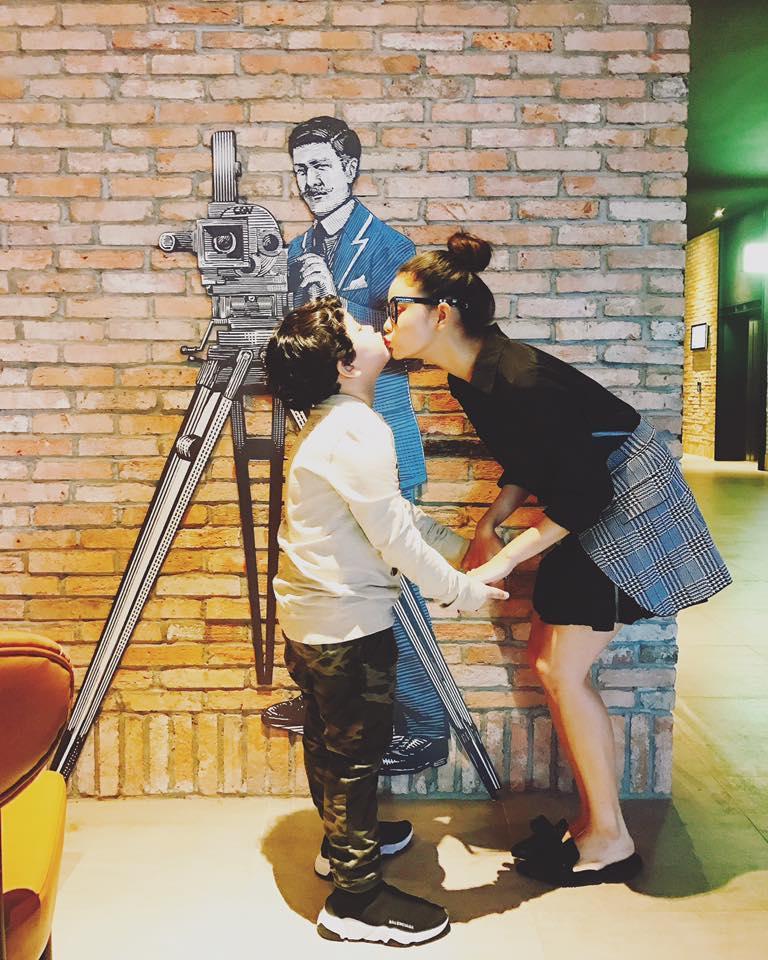 Trương Quỳnh Anh và Tim né tránh chung đôi dù cùng đưa con đi xem phim?-2