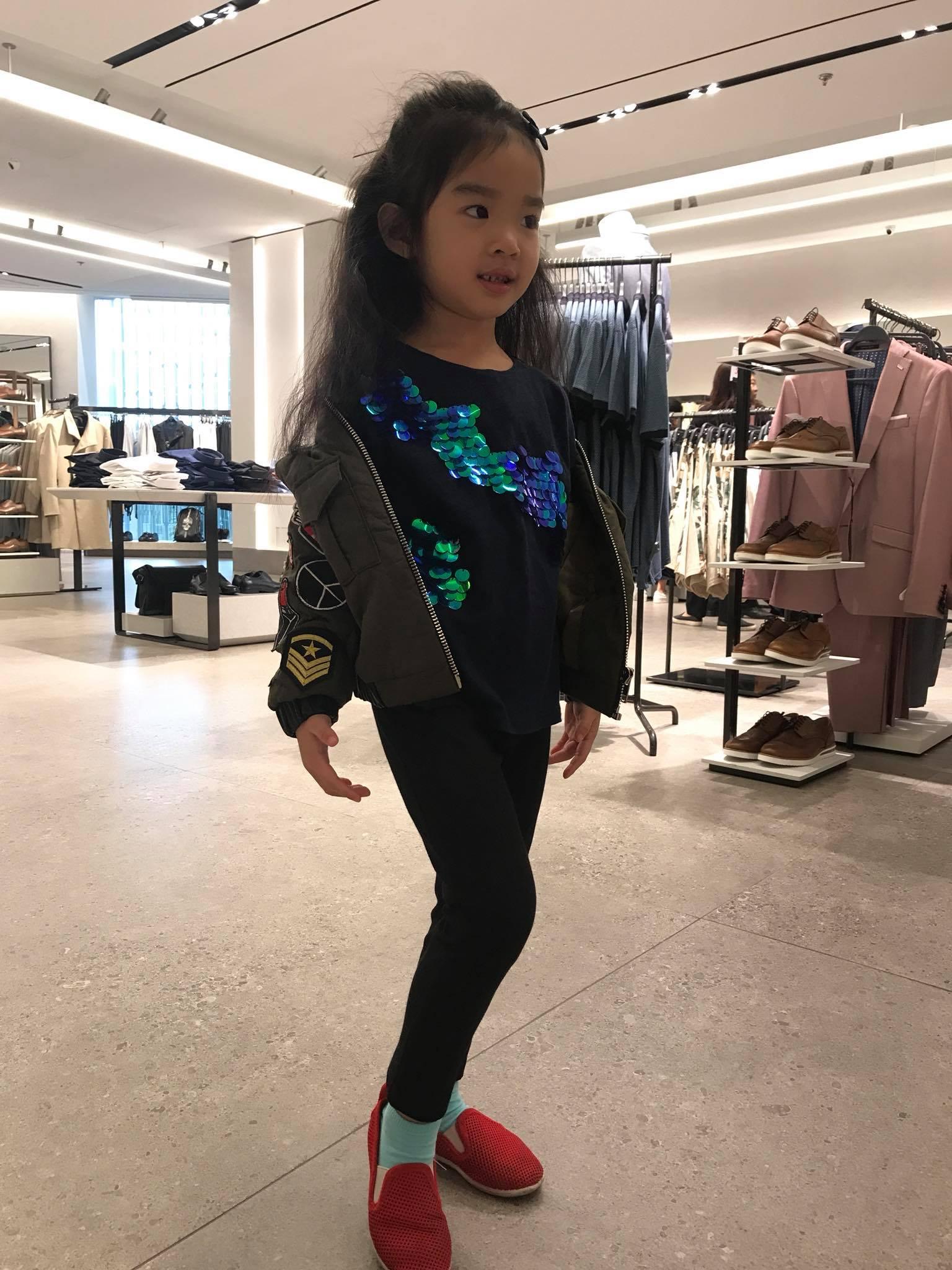 Mới 5 tuổi, bé Thỏ nhà siêu mẫu Xuân Lan đã bộc lộ tố chất người mẫu-3